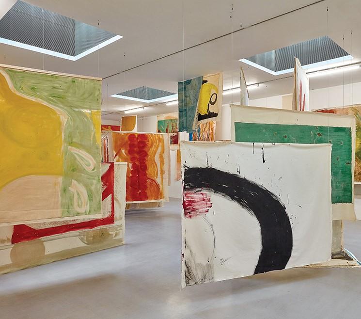 مایشگاه نقاشی ویویان سوتر در لندن