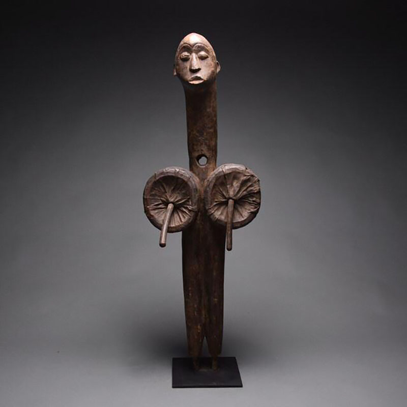 مجسمه Fang Bellows اثر هنرمند ناشناس آفریقایی، قیمت 9600 دلار