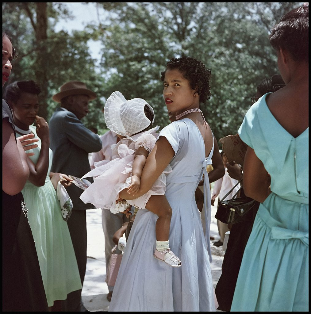 Gordon Parks, Untitled, Shady Grove, Alabama (1956). Courtesy of the Gordon Parks Foundation, NY and Alison Jacques Gallery, London. © The Gordon Parks Foundation.