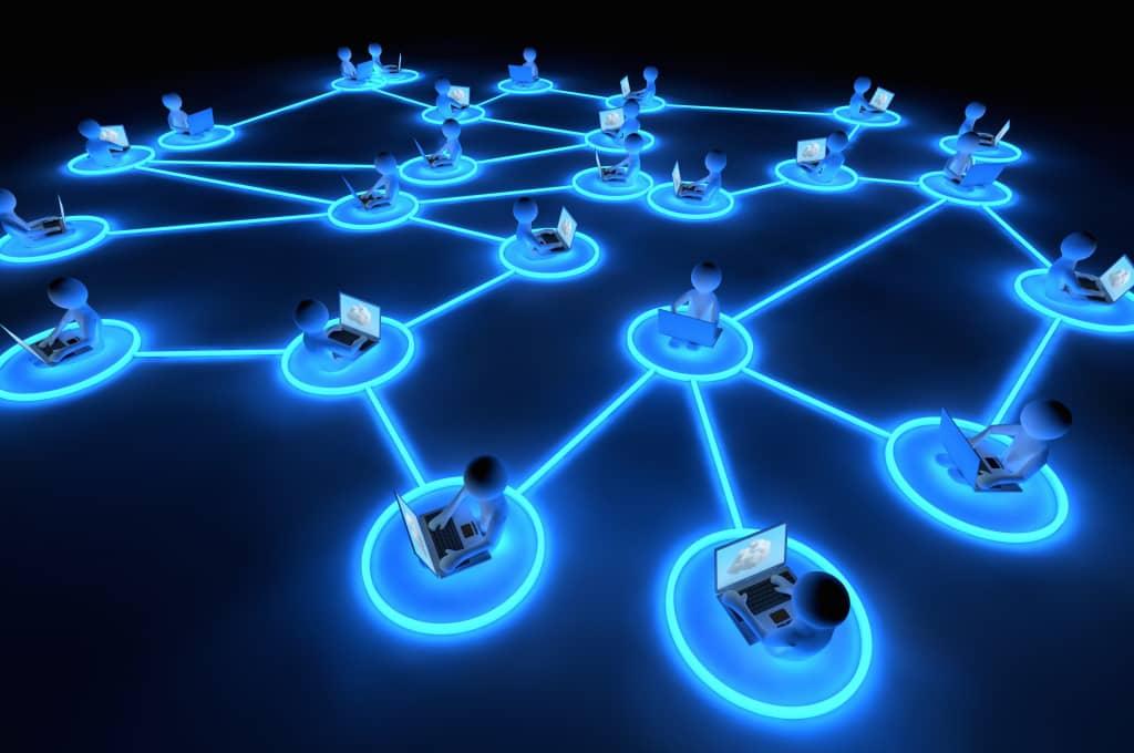 رمزداده: مفهوم شبکه Peer-to-peer یا کابوس جباران
