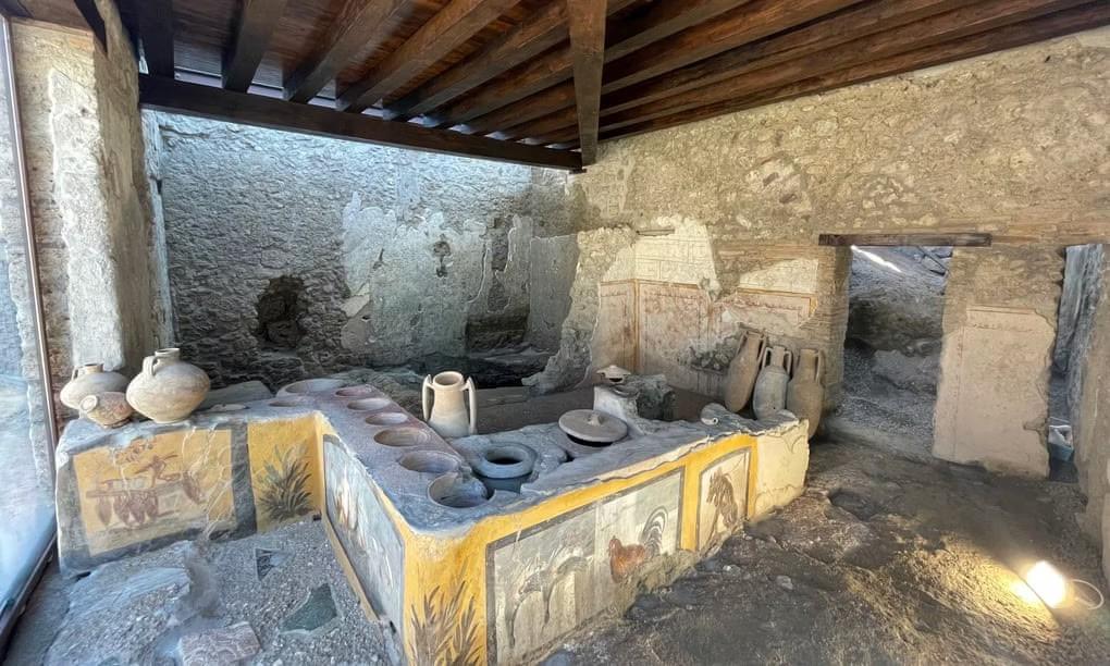 پیالهفروشی باستانی در شهر باستانی Pompeii